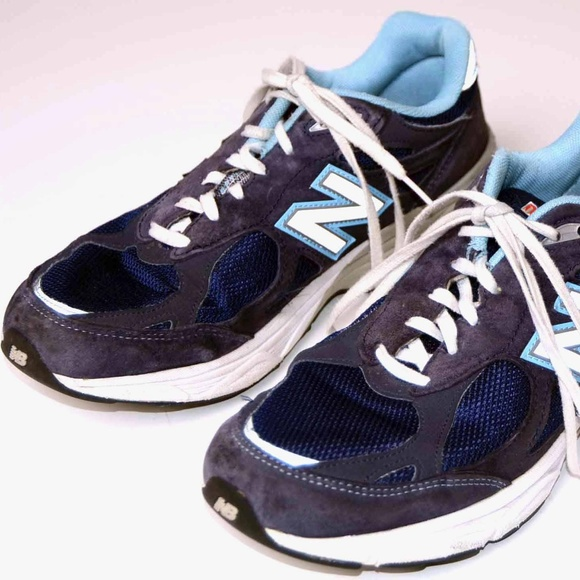 the latest ebc2f c104e New Balance blue 990 leather trim sneakers sz 11
